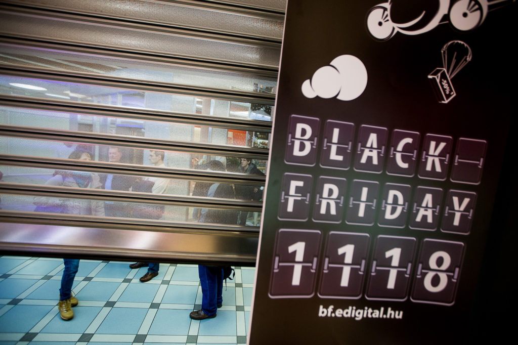 2016.11.18. Black Friday az Extreme Digitalban